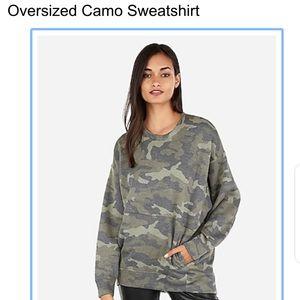 Oversized camp sweatshirt